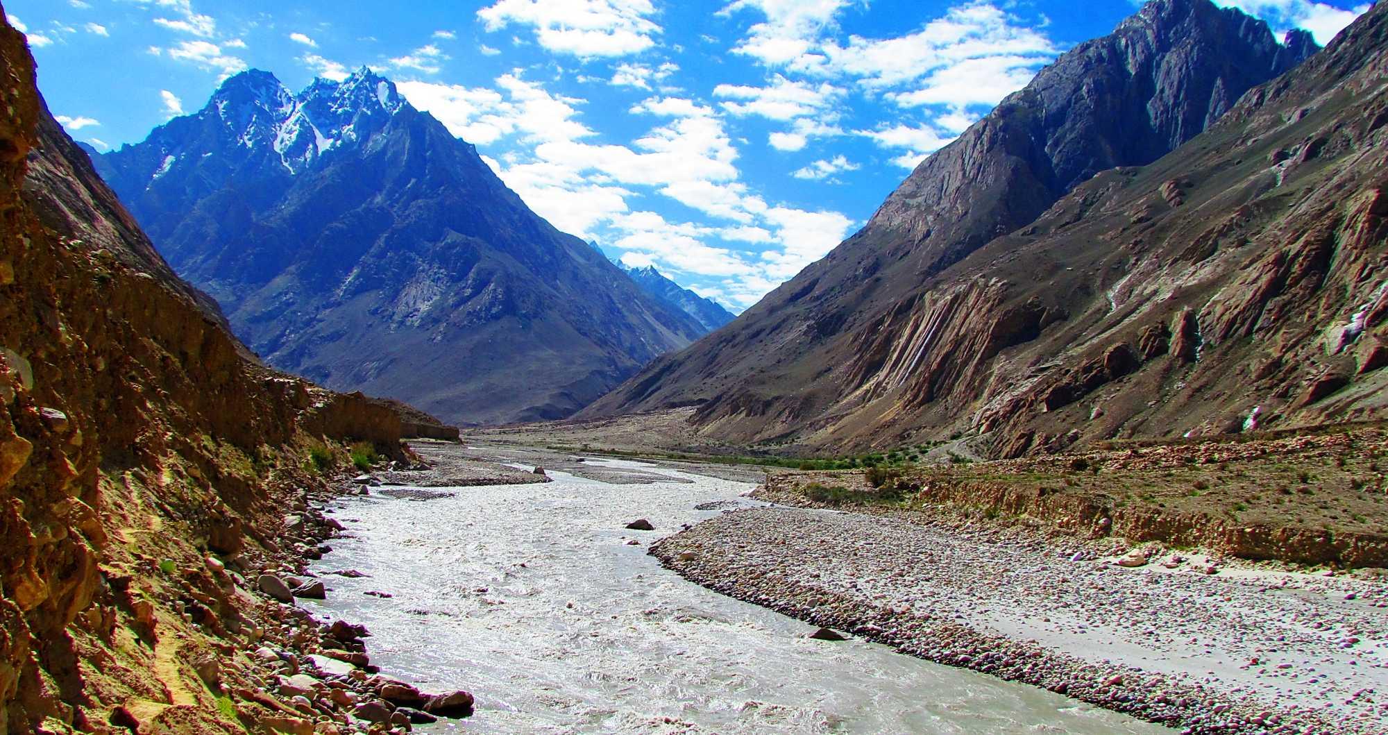 Hushe Gondogoro Valley
